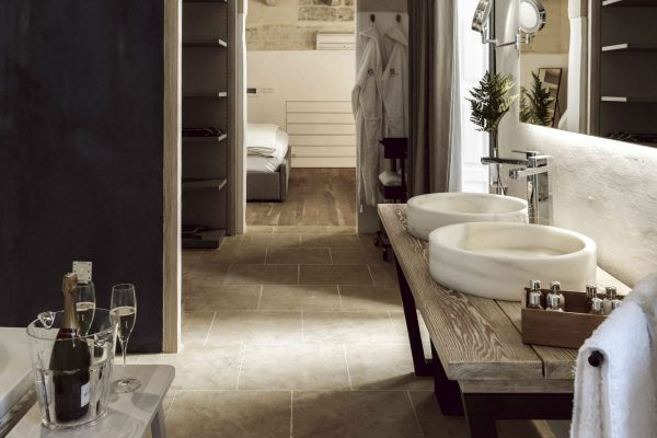 Bathroom---the-Blue-Loft---21-Frederick-Street-Valletta