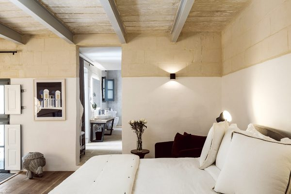 Bedroom-white---the-blue-Loft---21-Frederick-Street-Valletta